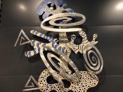"""""""Metal Twilla"""" is een bijzonder Metal Art van Parke & Lenz uit Las Vegas , Nevada, Verenigde Staten, het betreft een multi level wall sculpture, afmeting 80 cm hoog x 65 cm breed x 10 cm diep, aan de achterzijde is een bevestiging gemaakt zodat het direct op de muur gehangen kan worden.  € 249,00"""
